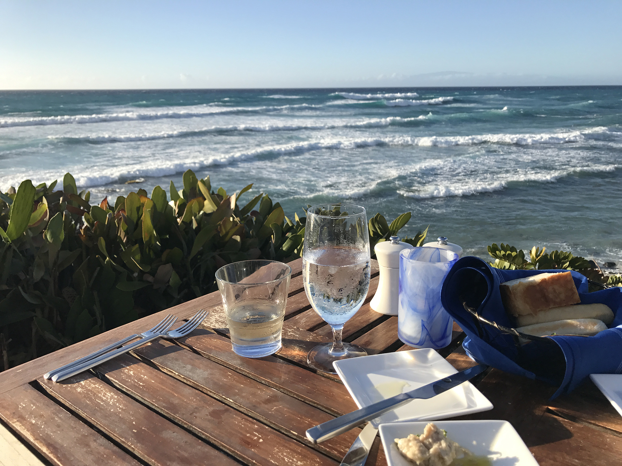 Dining with a Big Island oceanfront view. Photo Courtesy of Algood Hawaii LLC