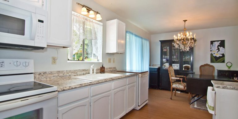 Keawe Iki-003-016-Kitchen with plenty of counter-MLS_Size