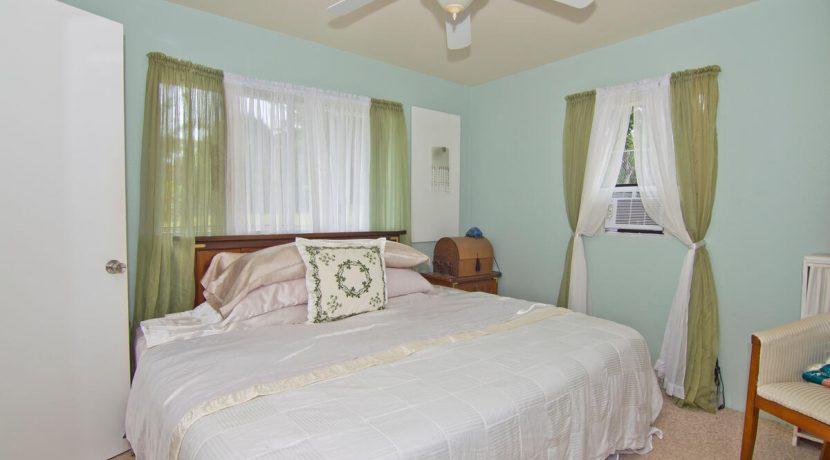Keawe Iki-008-015-Owners Bedroom with King Bed-MLS_Size