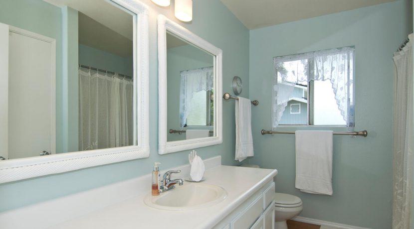 Keawe Iki-014-018-Bathroom-MLS_Size