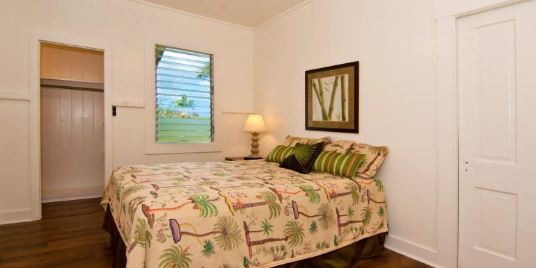Old Hawaii Style House for-large-013-020-Bedroom 1-1500x998-72dpi