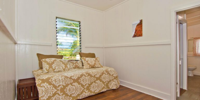 Old Hawaii Style House for-large-015-028-Bedroom 2-1482x1000-72dpi